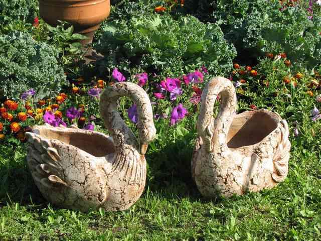 Как сделать садовые украшения своими руками 32